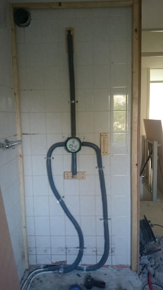 aanleggen douche leidingen en inbouw kraan
